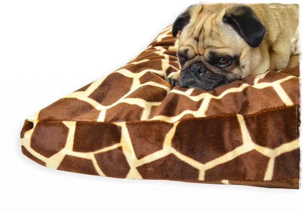 Cushion_Big_giraffe_01a_Tedy